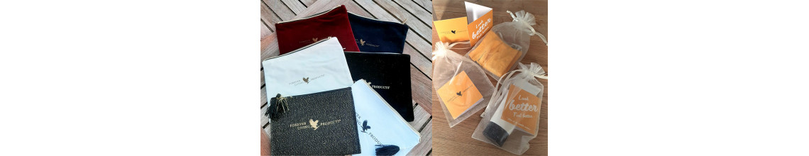 POUCHES AND GIFT